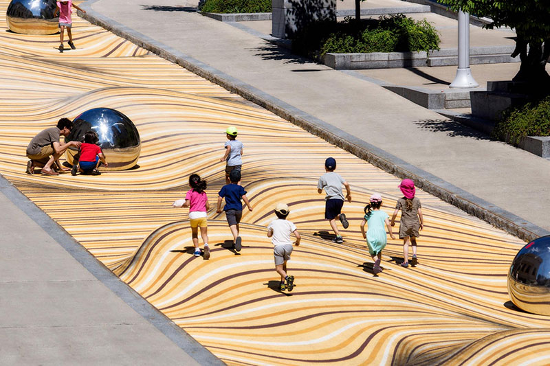 sand dune street mural montreal by nos 1 Amazing Street Mural Turns Pedestrian Walkway Into Giant Undulating Sand Dune