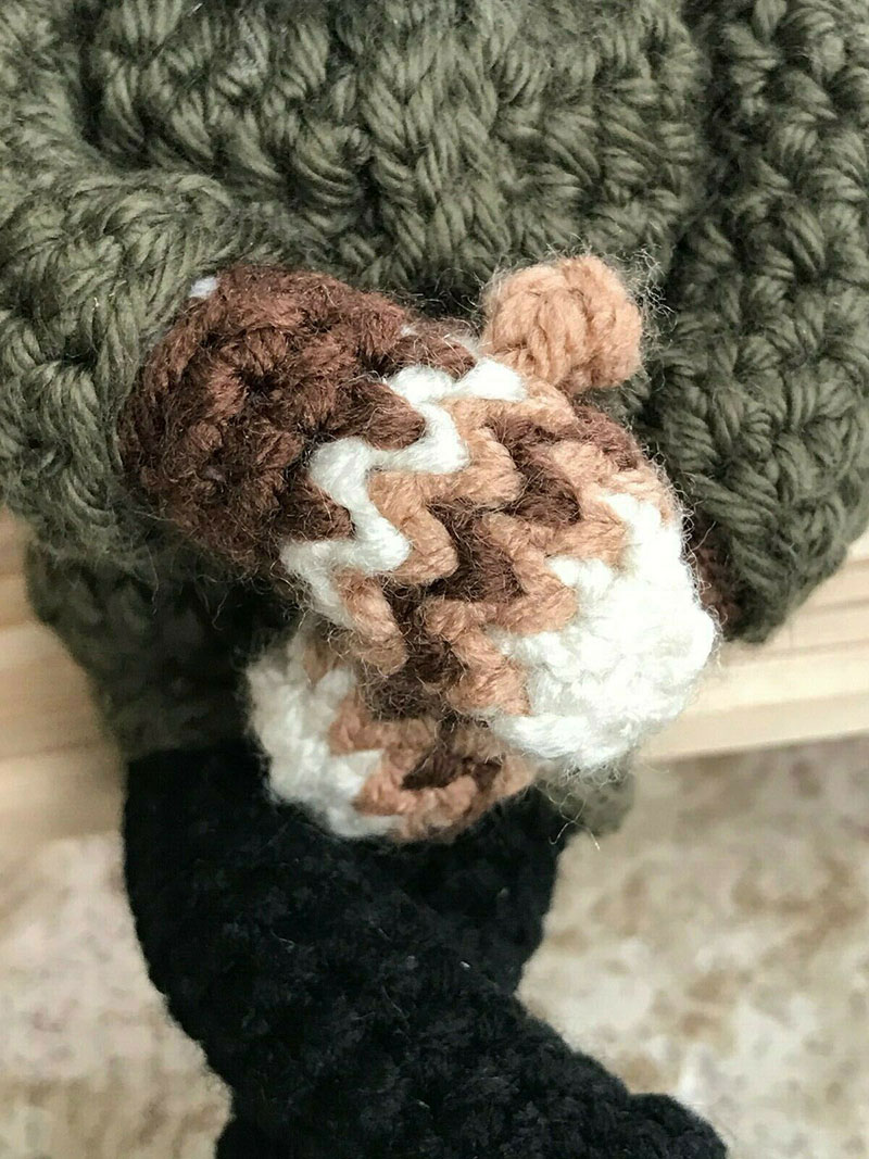 bernie sanders mittens crochet 7 This Artists Bernie Sanders Mittens Crochet Went Viral So Shes Donating It to Charity