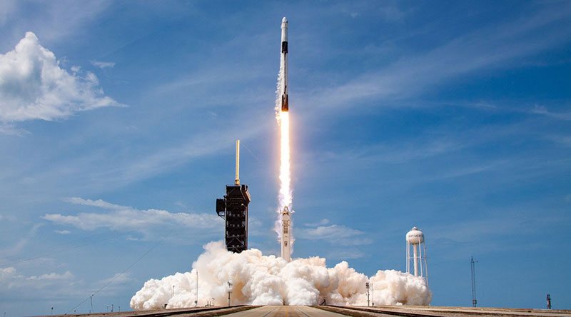 spacex first all civilian mission to space 16 SpaceX is Launching the Worlds First All Civilian Mission to Space