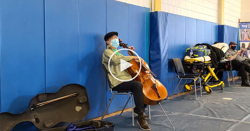 Yo-Yo Ma Puts on Free Concert While Waiting for Covid Vaccine Shot