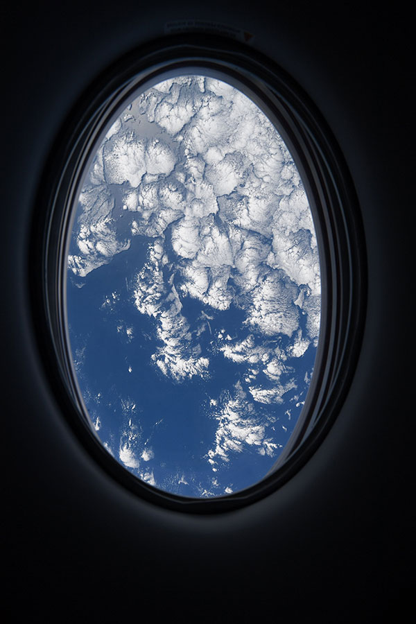 astronaut mike hopkins photos from window of spacex crew dragon resilience 7 Astronaut Mike Hopkins is Sharing Photos from his Window Seat and Theyre Incredible