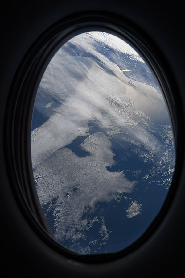 astronaut mike hopkins photos from window of spacex crew dragon resilience 8 Astronaut Mike Hopkins is Sharing Photos from his Window Seat and Theyre Incredible