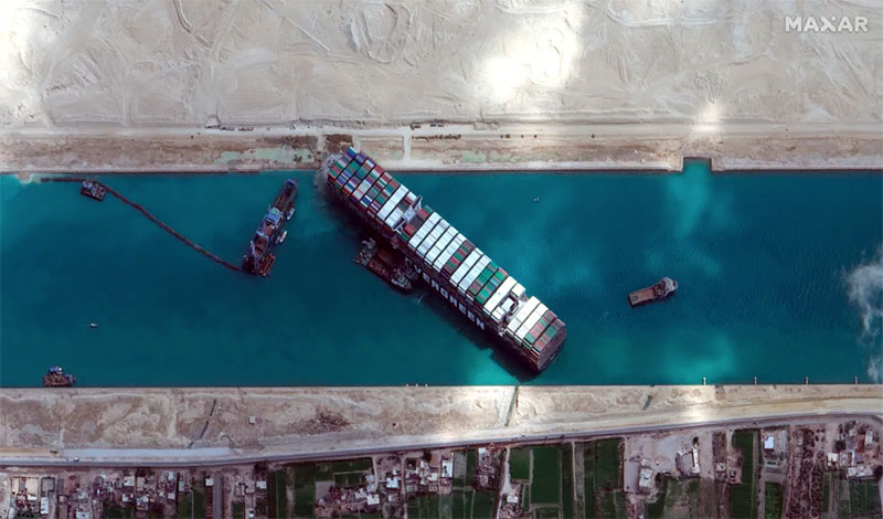 ever given container ship free suez canal 6 The Ever Given is Finally Free Thanks to a Full Moon and Spring Tides