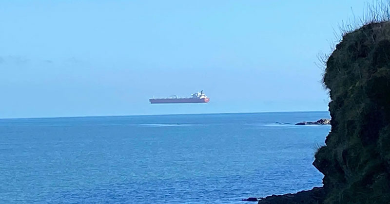 Hover Ship Spotted Off Cornwall Coast is Great Example of 'Superior Mirage'