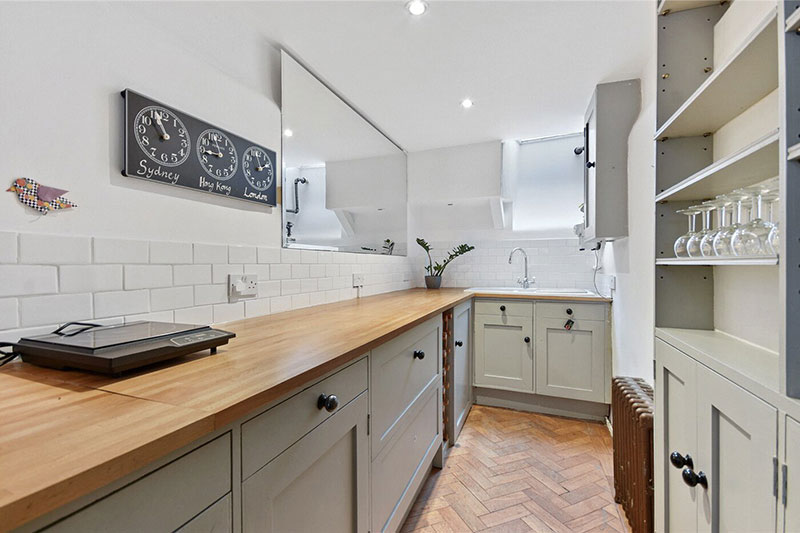 skinniest narrowest house in london 13 The Skinniest House in London (14 Photos)
