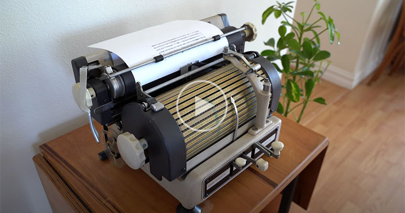 This Vintage Japanese Typewriter is Fascinating