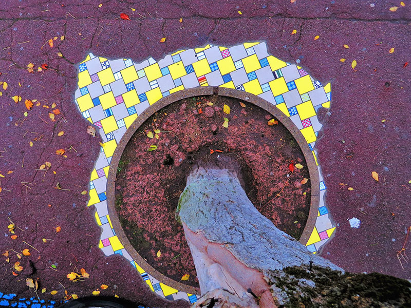 pavement surgeon ememem mosaic tile streets france 12 The Pavement Surgeon Beautifying the Damaged Sidewalks of France