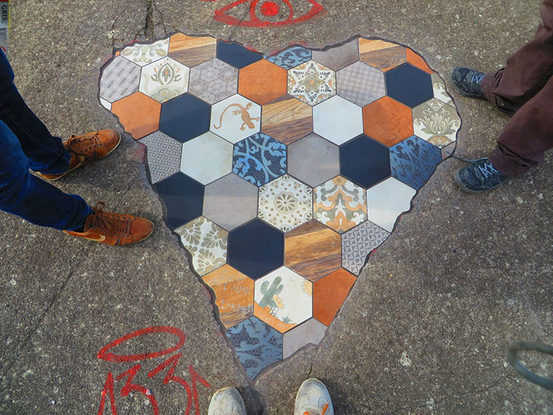 pavement surgeon ememem mosaic tile streets france 16 The Pavement Surgeon Beautifying the Damaged Sidewalks of France