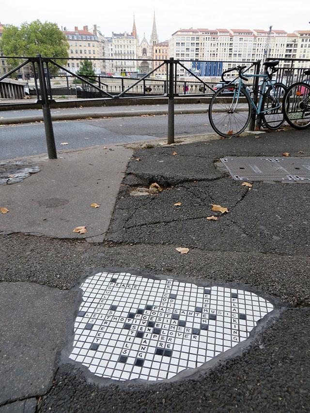 pavement surgeon ememem mosaic tile streets france 19 The Pavement Surgeon Beautifying the Damaged Sidewalks of France