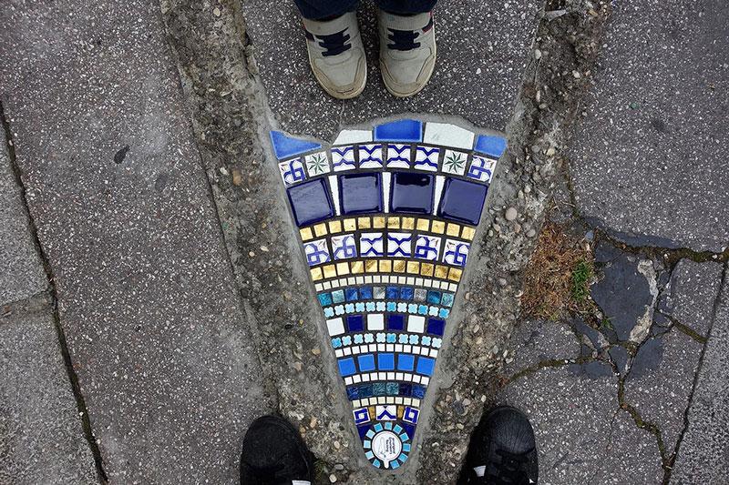 pavement surgeon ememem mosaic tile streets france 5 The Pavement Surgeon Beautifying the Damaged Sidewalks of France