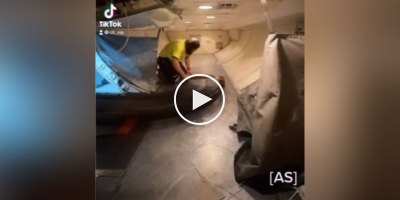 This Is How Your Luggage Gets Loaded Onto the Airplane