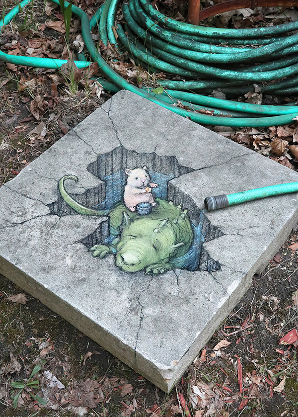 david zinn chalk art ann arbor michigan 14 David Zinn Draws Tiny Chalk Art Throughout Ann Arbor and Its the Best
