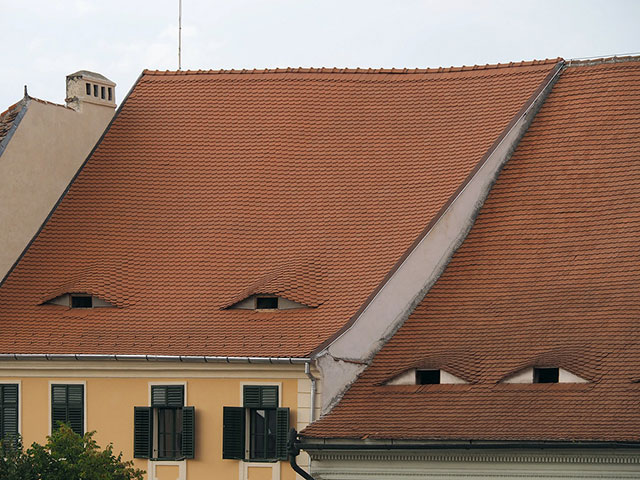buildings with shifty eyes 1 5 Buildings That are Definitely Up to Something