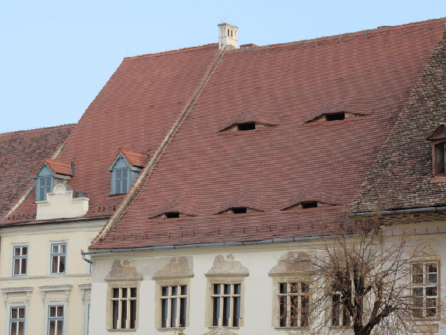 buildings with shifty eyes 5 5 Buildings That are Definitely Up to Something