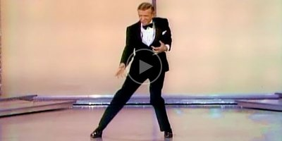 A 71 Year Old Fred Astaire Cutting Loose at the 1970 Oscars