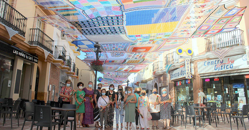 Local Crochet Teacher in Spain Gets Class to Make a Giant Canopy for Shade