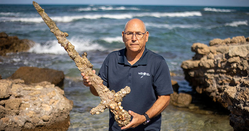 Diver Finds 900 Year Old Sword from The Crusades